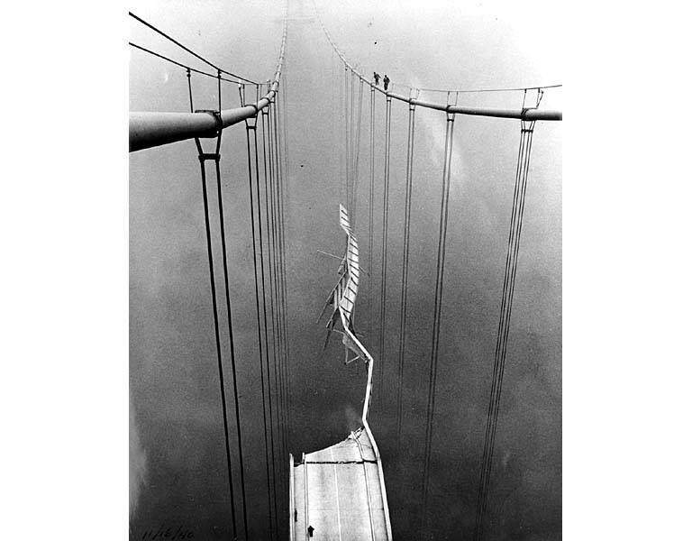 Bridge_cables_after_collapse